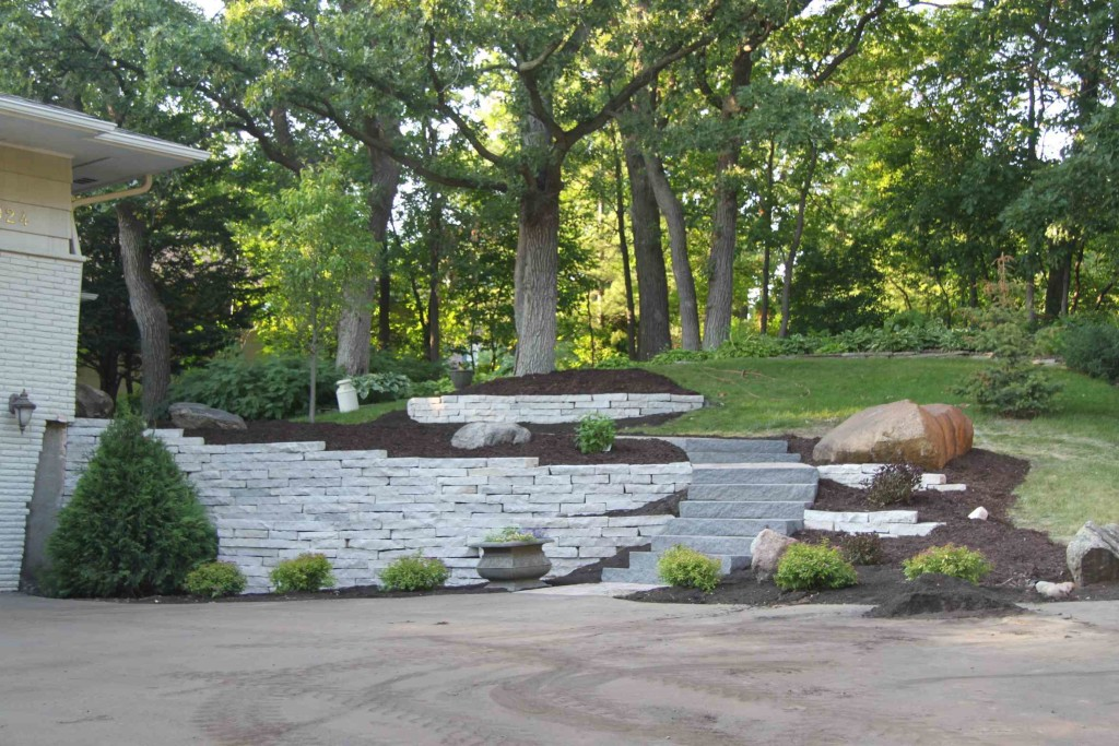 retaining wall chanhassen
